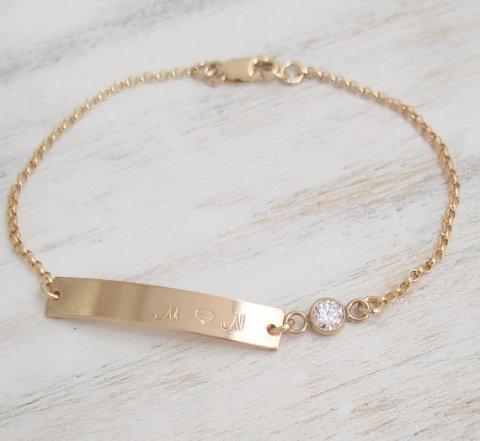 nameplate bracelet